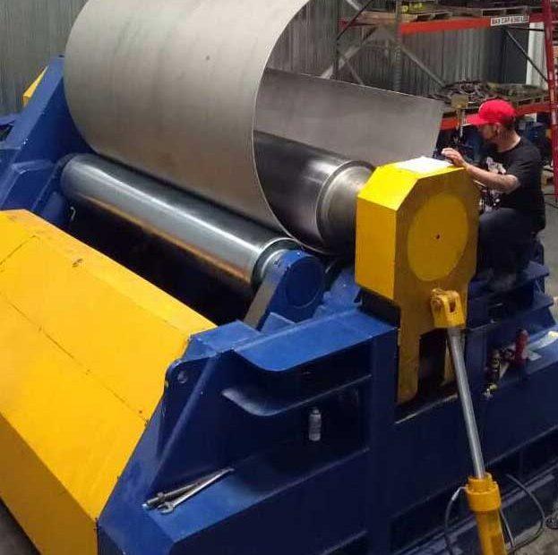 Four-roller plate bending machine